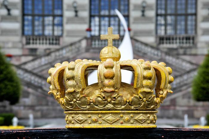 crown-2468268_1920